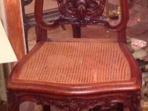 4 chaises  en très bon état